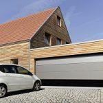 Garažna vrata vplivajo na zunanjost naše hiše