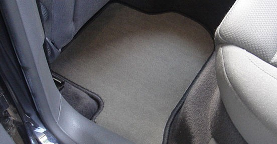 Gumi tepihi za avto